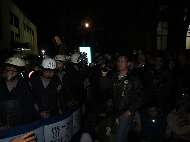 攻佔行政院 阿童深入蒐證 警方暴力慘不忍睹