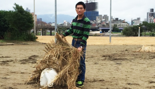 河濱公園擺爛泥 加碼兩億廢球場